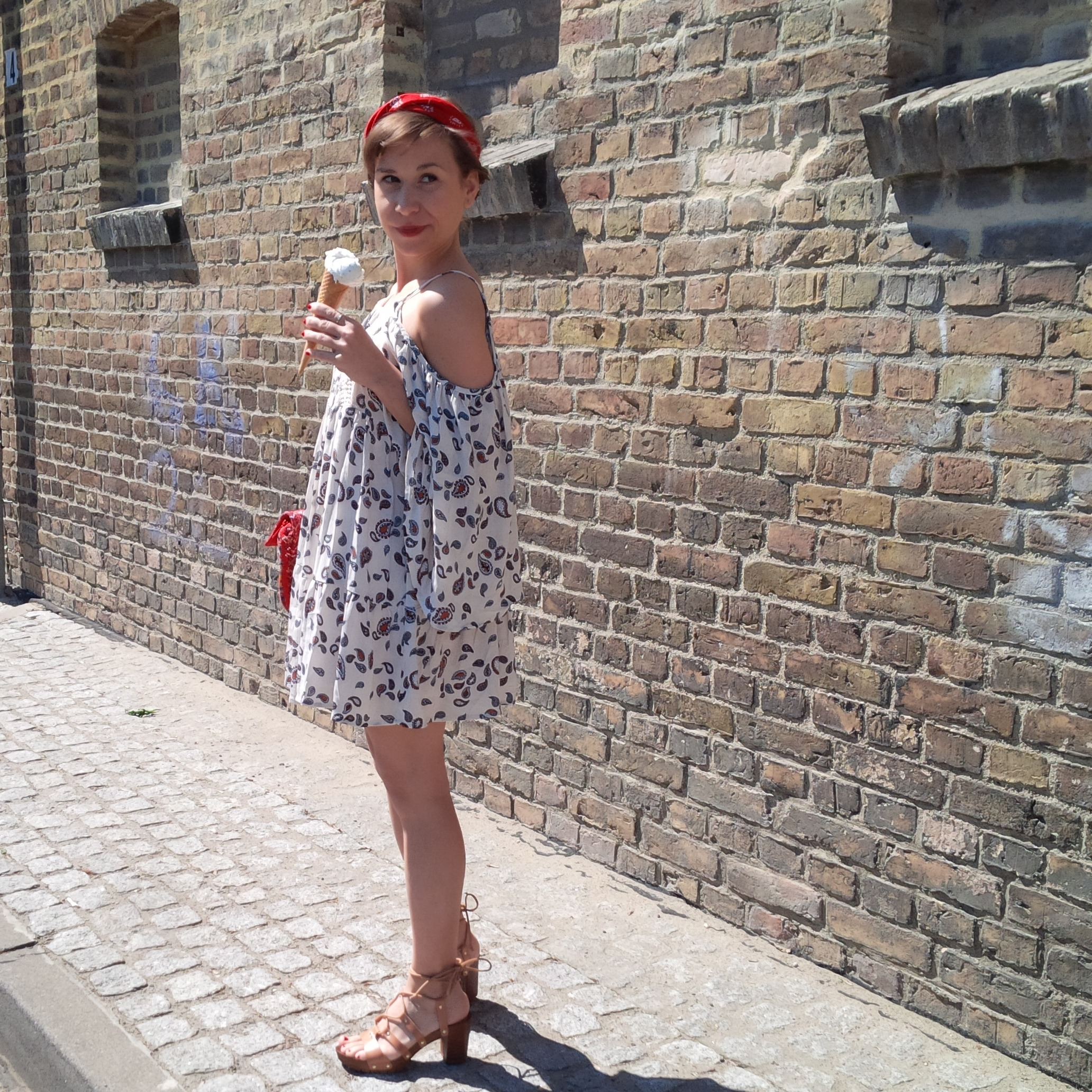 How to Wear the Swing Dress in Spring - Favorite. Fashion. Outfit. Boho red and white with Denim and Bandana Crown 14
