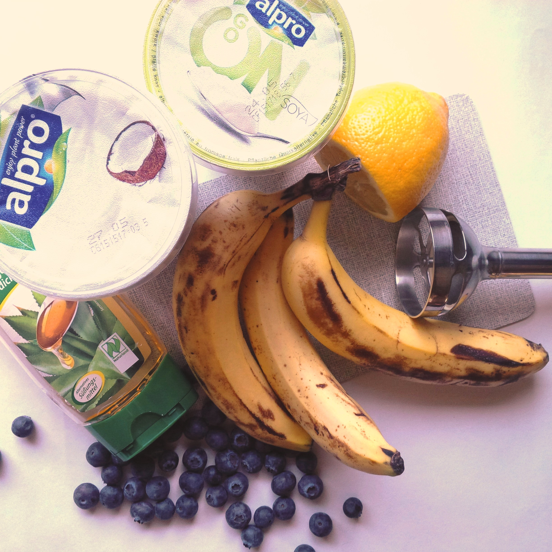 Ice, Ice Baby! DIY Frozen Yogurt Rezept, vegan ohne Eismaschine. healthy Nicecream 1.jpg