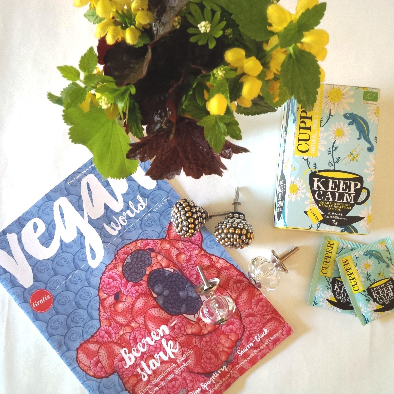 Liebe Woche Sonntags Favoriten. Cupper Tea, Keep Calm Kamillen Tee, Vintage Möbelknöpfe gold silber, Vegan World Magazin 1.jpg