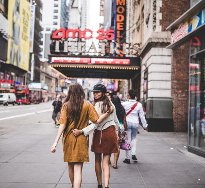 Should You Move to Were Your Friends Live and Leave Your Job. Inspiration. Advice, Friendship. NYC. Freepeople. Blogger Liebe was ist 1