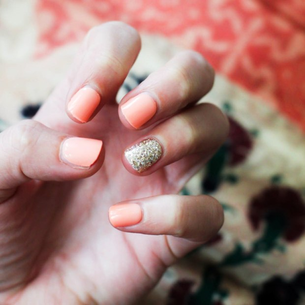 3 Manicure Ideas For Wedding Season - Summer Bights. coral and bright nails. Glitter and Glam. Nail Design. Essie hirs d'oeuvres (1)