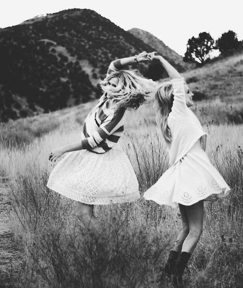 7 Friends Every Woman Needs. Lifestyle Advices - Ratgeber Kolumne. Beste Freunde. Freunde fürs Leben (2)