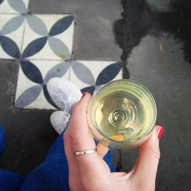 Follow Me Around - How to Make the Most of 48 Hours in Paris. Insider Tipps. Le Perchoir Rooftop Bar. Vino 2.jpg