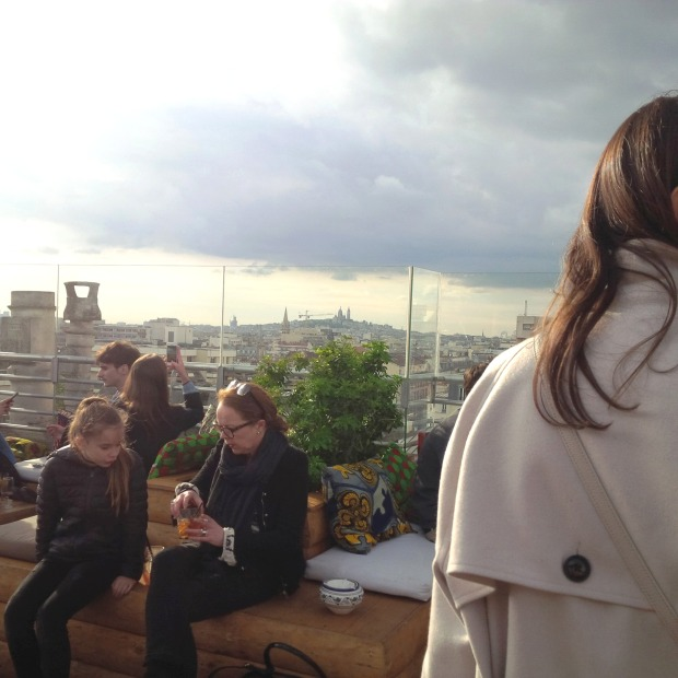 Follow Me Around - How to Make the Most of 48 Hours in Paris. Insider Tipps. Le Perchoir Rooftop Bar. Vino