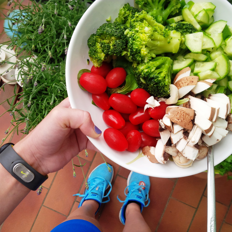Liebe Woche Favoriten. Sonntag. back on track. Fitness. Sport. Routine. Running. Vinyasa Yoga. Workout. Lifestyle. Nike. Greens 2.jpg