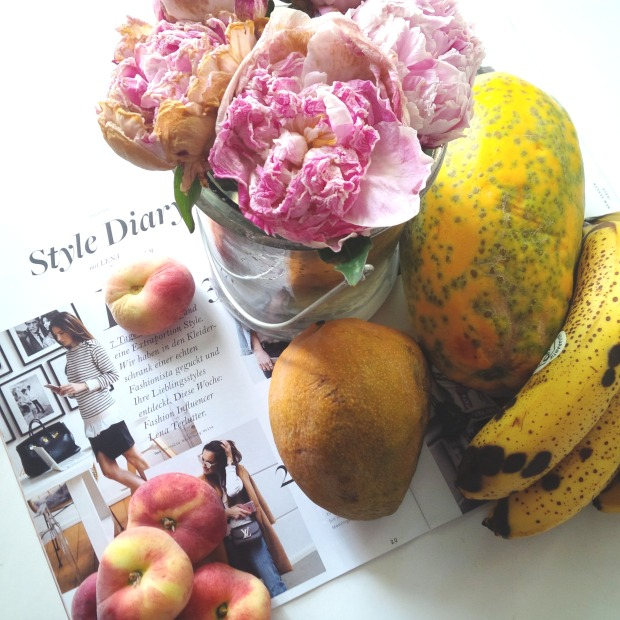 Liebe Woche Sonntag Favoriten. Where Is Summer. Regen, Sommer. Carb up, eat fruits. peonies. Inspiration. Psychologie. Feelings (4).jpg