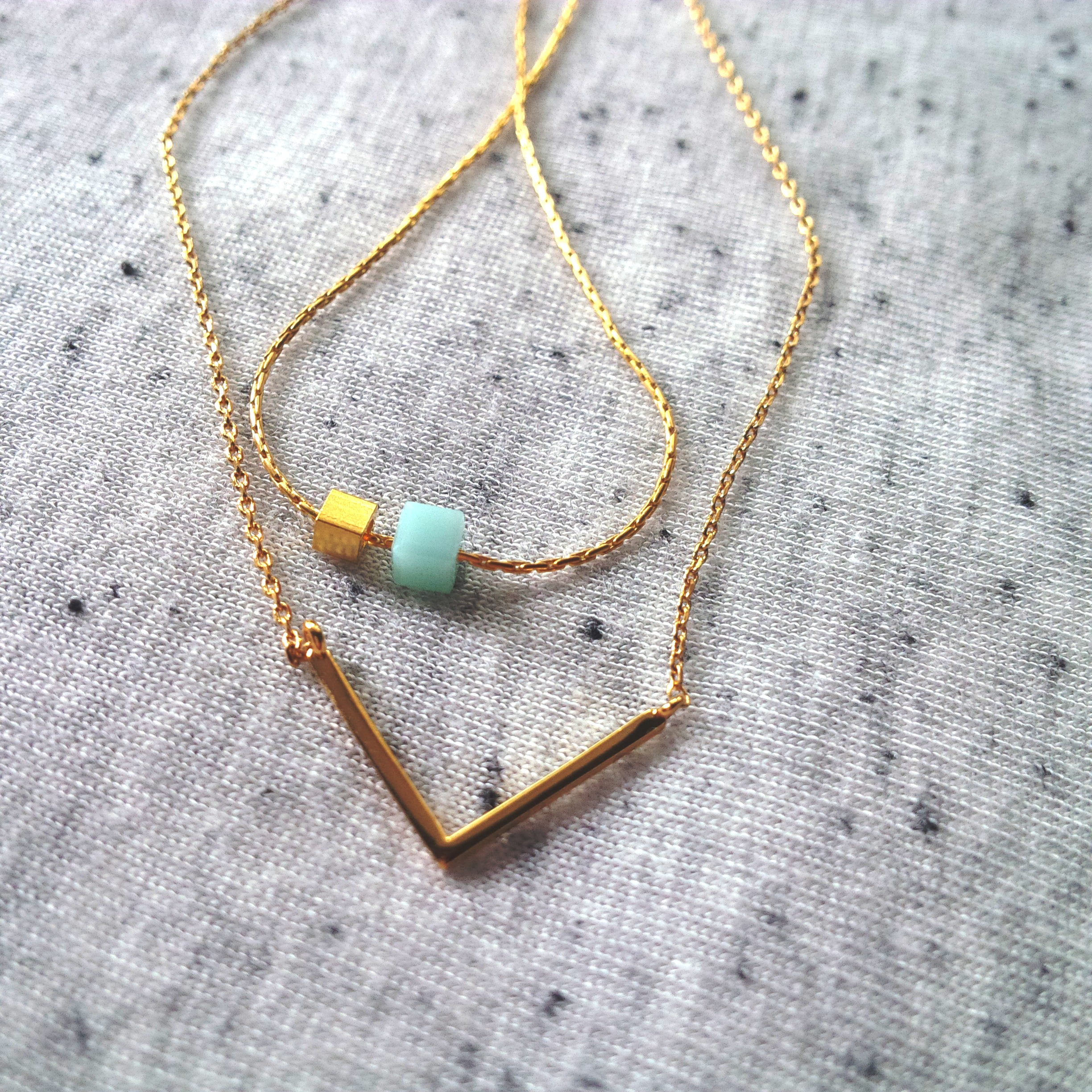 3 Ways to Layer Necklaces to Your Minimalism Look (12)