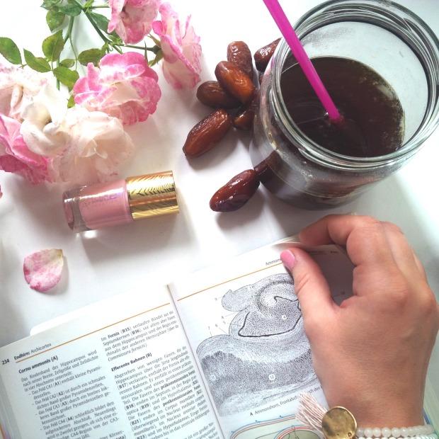 Liebe Woche Sonntagsfavoriten. Favoriten, Lieblinge. Liebe was ist. Catrice C02 Touched By Peace - rosa. Alltag, Uni, Stress, Prüfungen. Sommer, Vorfreude (7).jpg