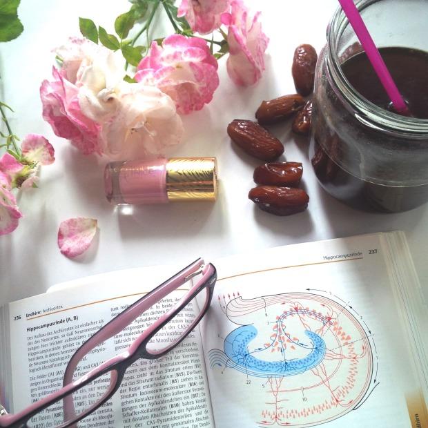 Liebe Woche Sonntagsfavoriten. Favoriten, Lieblinge. Liebe was ist. Catrice C02 Touched By Peace - rosa. Alltag, Uni, Stress, Prüfungen. Sommer, Vorfreude (8)