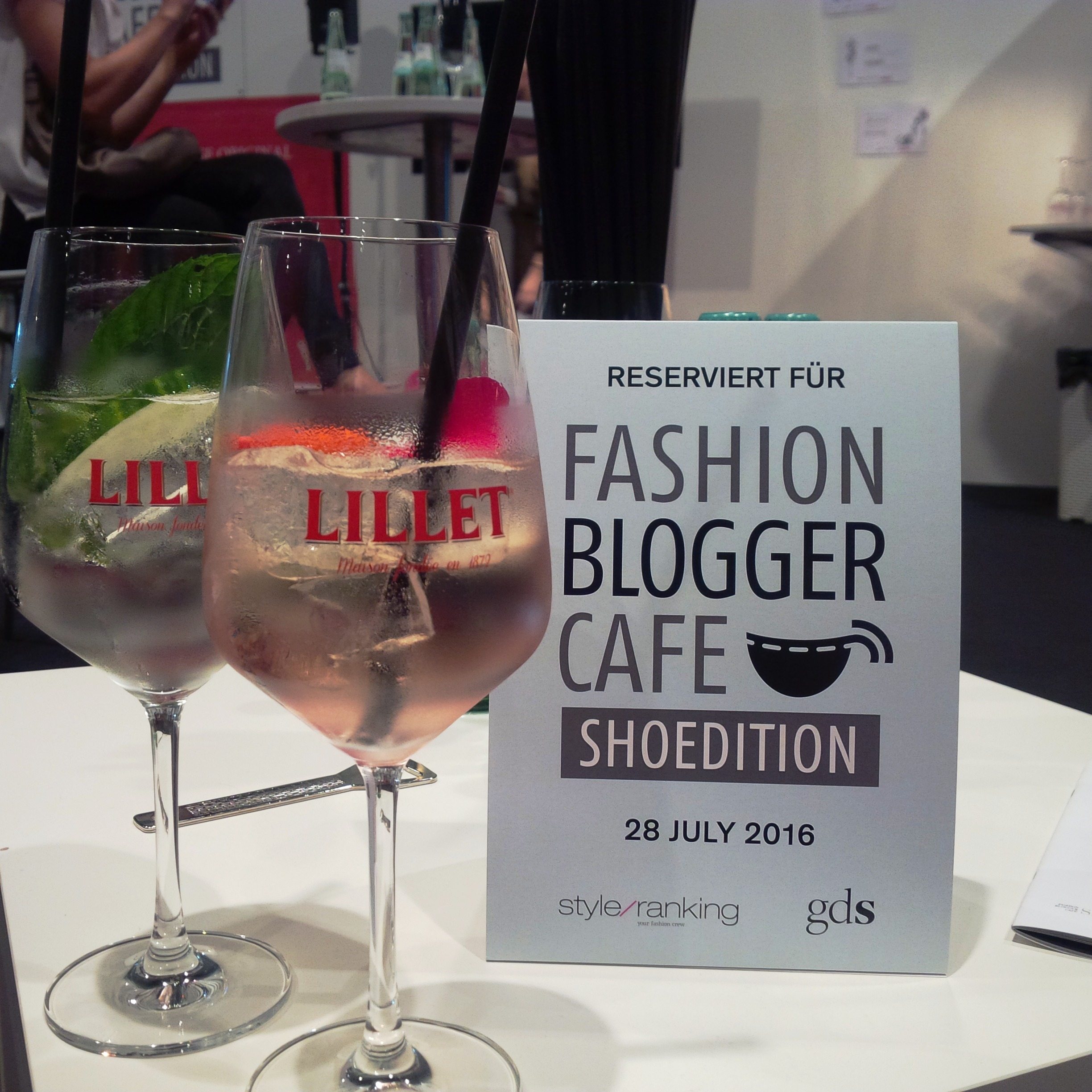 Runwayshow, Friends And Lots Of Shoes at #FashionBloggerCafé Shoe-Edition, #gds_shoefair. Liebe Woche. Sonntag Favoriten. Liebe was ist (25)