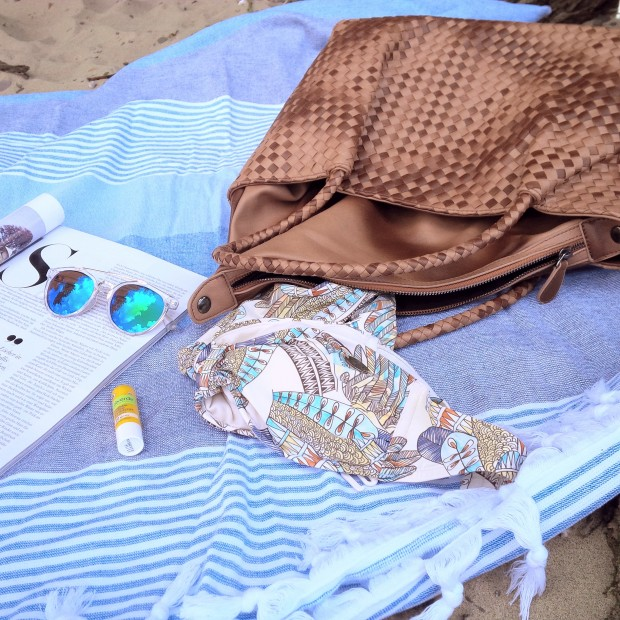 Summer Kick-Off. What's in My Bag & How to Get Ready For Summer. Inspiration. Liebe was ist. Summer Essentials. Tipps, Advice. Sponsored Post - Witt Weiden (6)