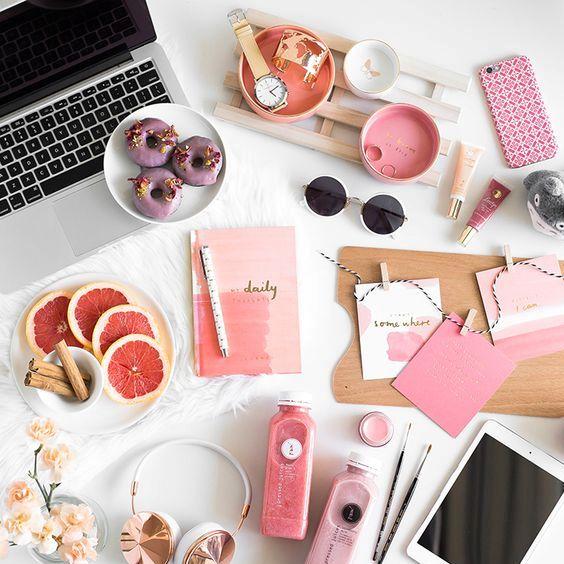 5 Healthy Habits to Incorporate into Your Work Day. Liebe was ist. healthy Advice. Tipps, Ratgeber gesund auf der Arbeit. Inspiration. drink water (1)