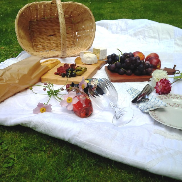 7 Steps To The Perfect Summer Picnic. Liebe was ist - perfektes Sommer-Picknick. Inspiration. Lifestyle Advice. Tipps und Tricks (12).jpg