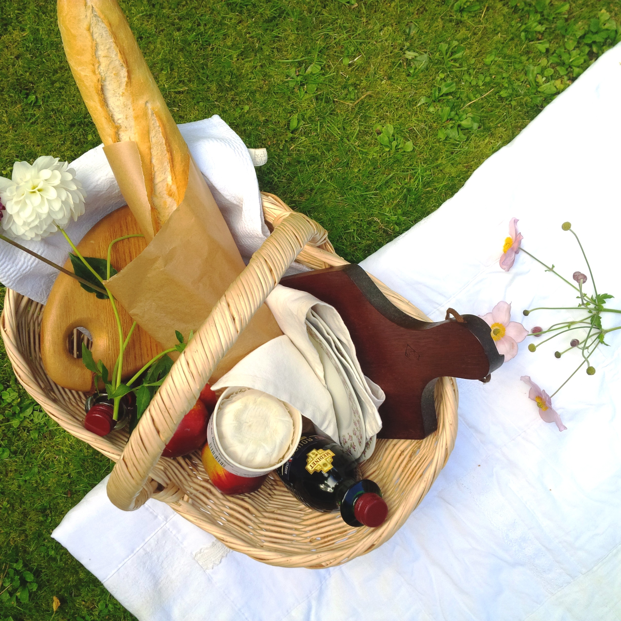 7 Steps To The Perfect Summer Picnic. Liebe was ist - perfektes Sommer-Picknick. Inspiration. Lifestyle Advice. Tipps und Tricks (13).jpg