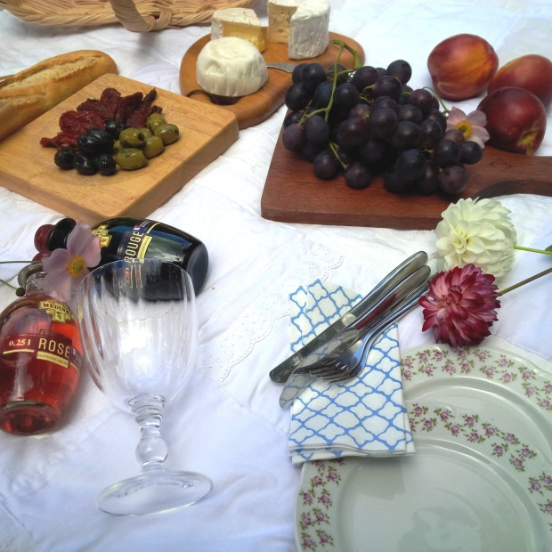 7 Steps To The Perfect Summer Picnic. Liebe was ist - perfektes Sommer-Picknick. Inspiration. Lifestyle Advice. Tipps und Tricks (3)