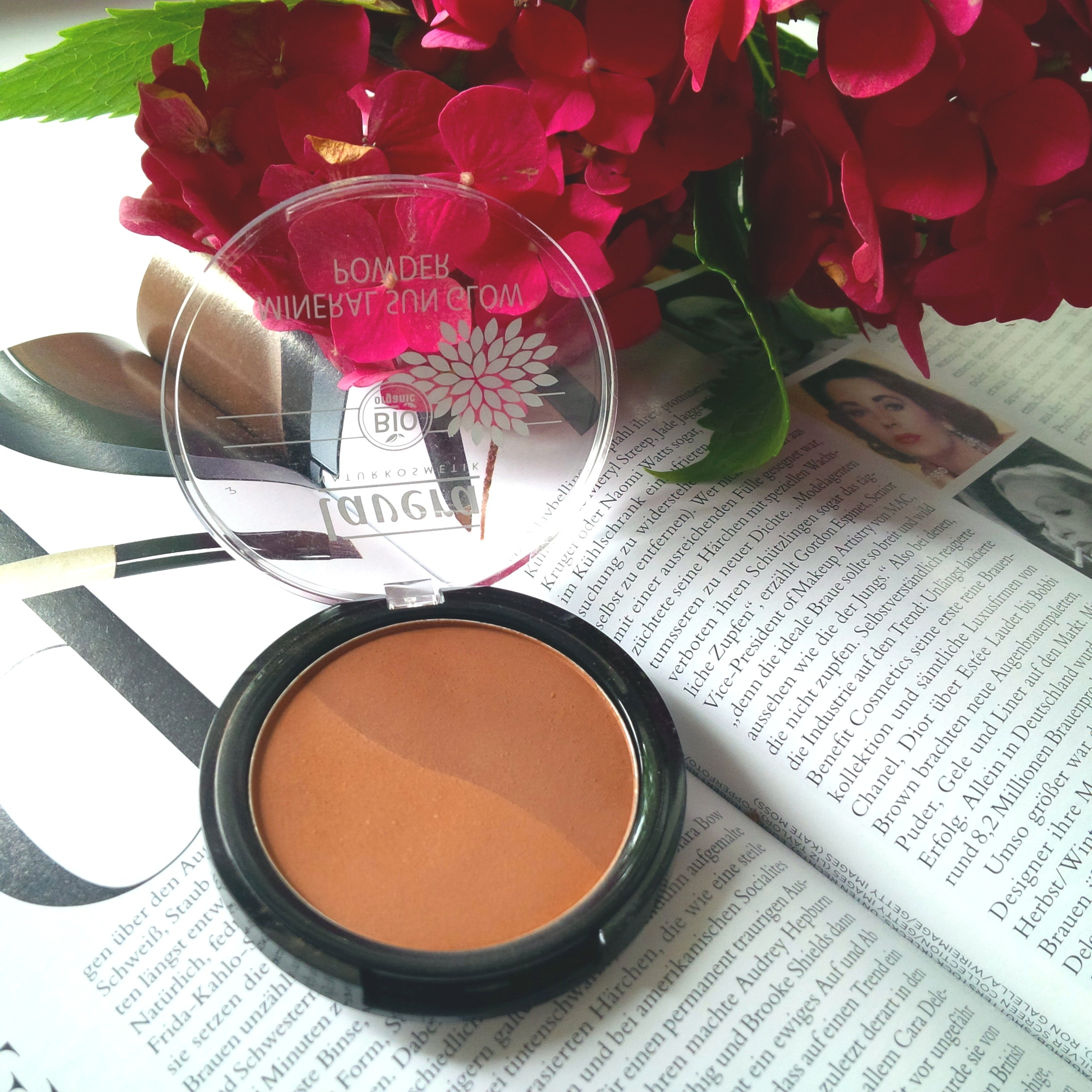Liebe Woche - My Current Makeup Favorites. Lavera dekorative Naturkosmetik. Sommer 2016. Nude. Rose. Shine . Sun Glow Bronzepuder Golden Sahara.jpg