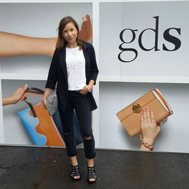 On Stage - Runwayshow and How to Wear Mom-Jeans. Trend, Style, Lookbook. gds Shoefair. Glamour. Liebe was ist Fashion for Petite (8)