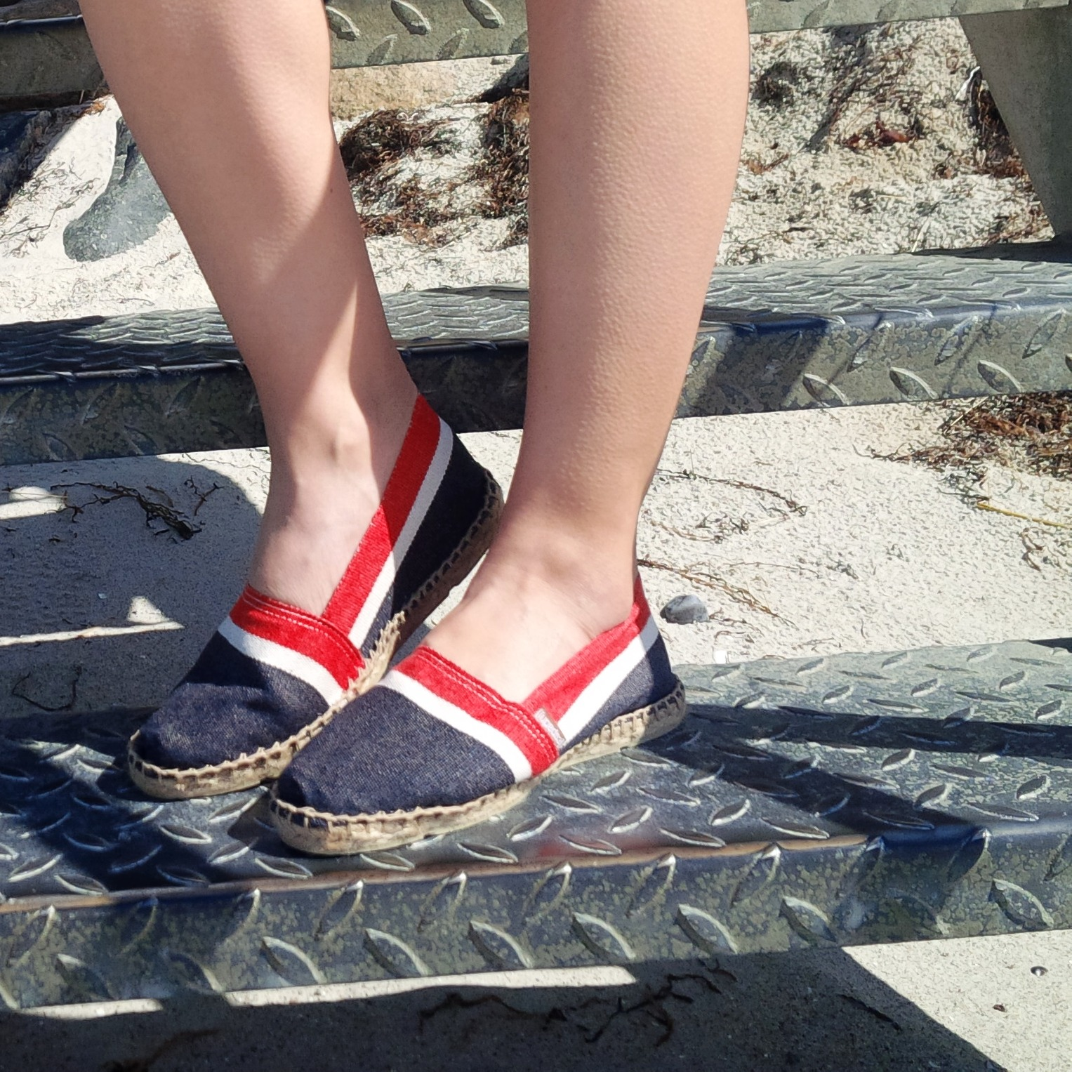 Summer Long Vacation At The Beach. Trend Schuh Espadrilles, Espadrij l'originale. Denim Dress. Lookbook. Liebe was ist (30)