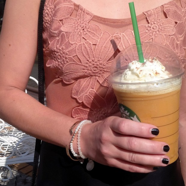 flirt-with-fall-pre-seasonal-transition-with-faux-leather-skirt-and-first-pumpkin-spice-coffee-38