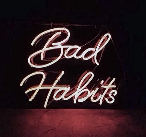 5-habits-to-break-in-your-twenties-liebe-was-ist-lifestyle-advice-schlechte-gewohnheiten-erwachsen-werden-1
