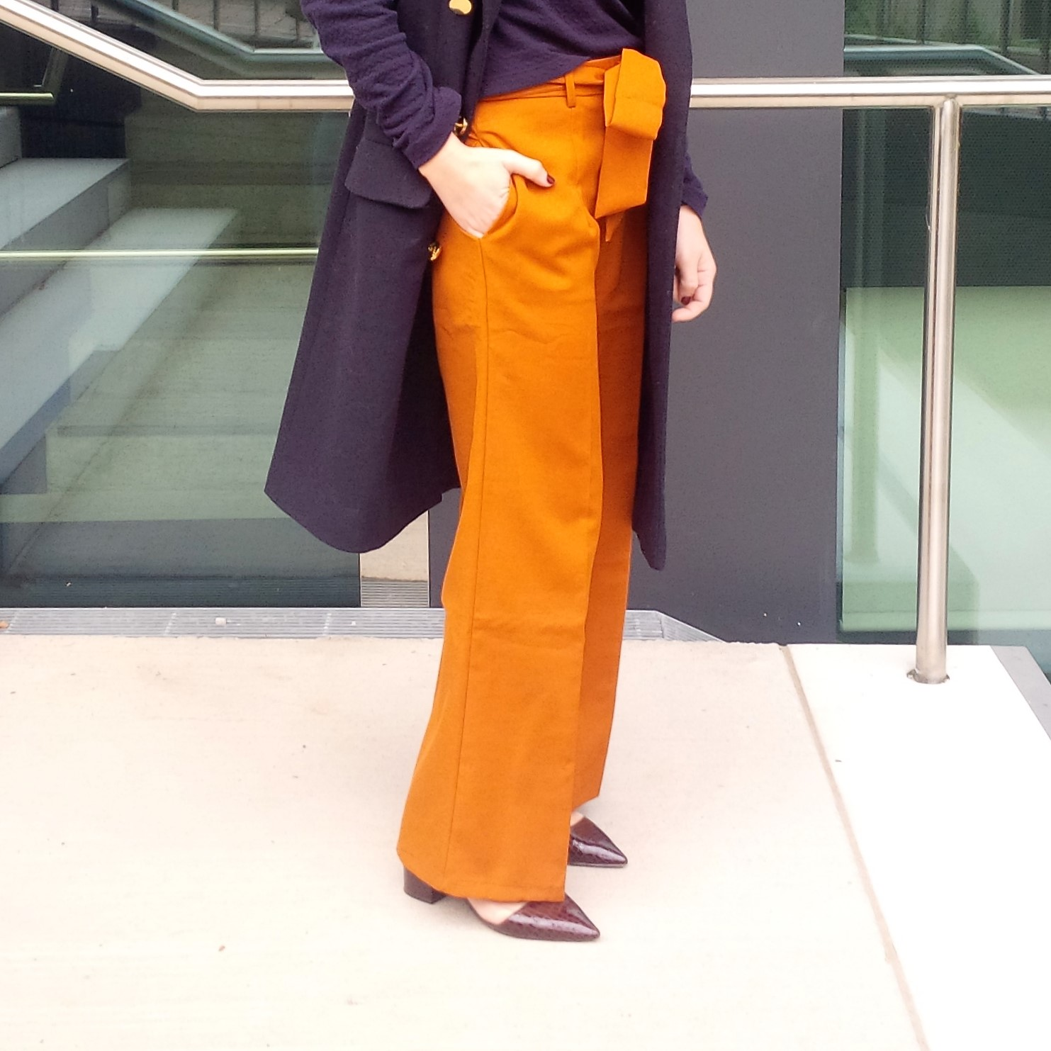 orange-is-the-new-black-wearing-bright-colours-liebe-was-ist-advice-fall-fashion-new-colour-22