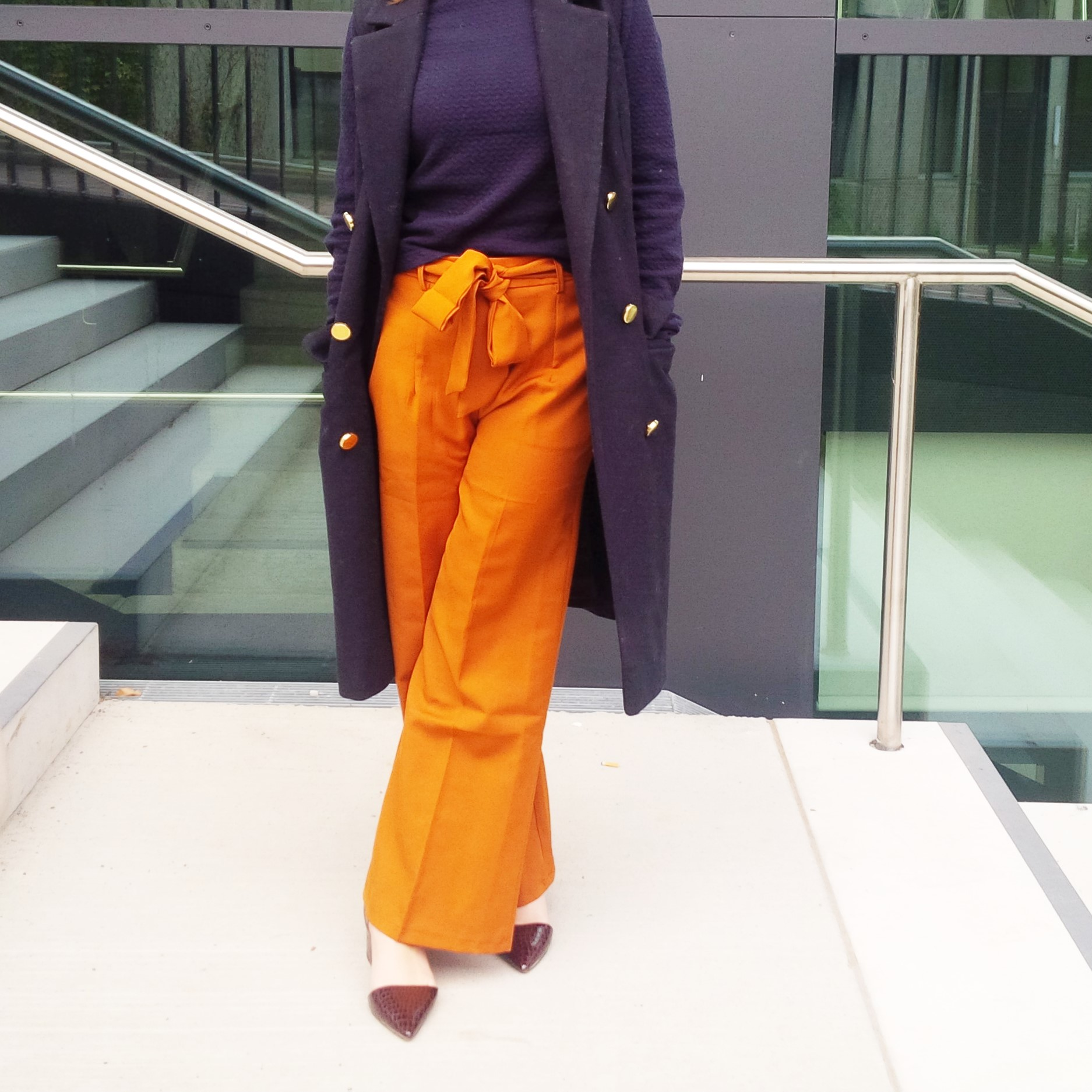 orange-is-the-new-black-wearing-bright-colours-liebe-was-ist-advice-fall-fashion-new-colour-26