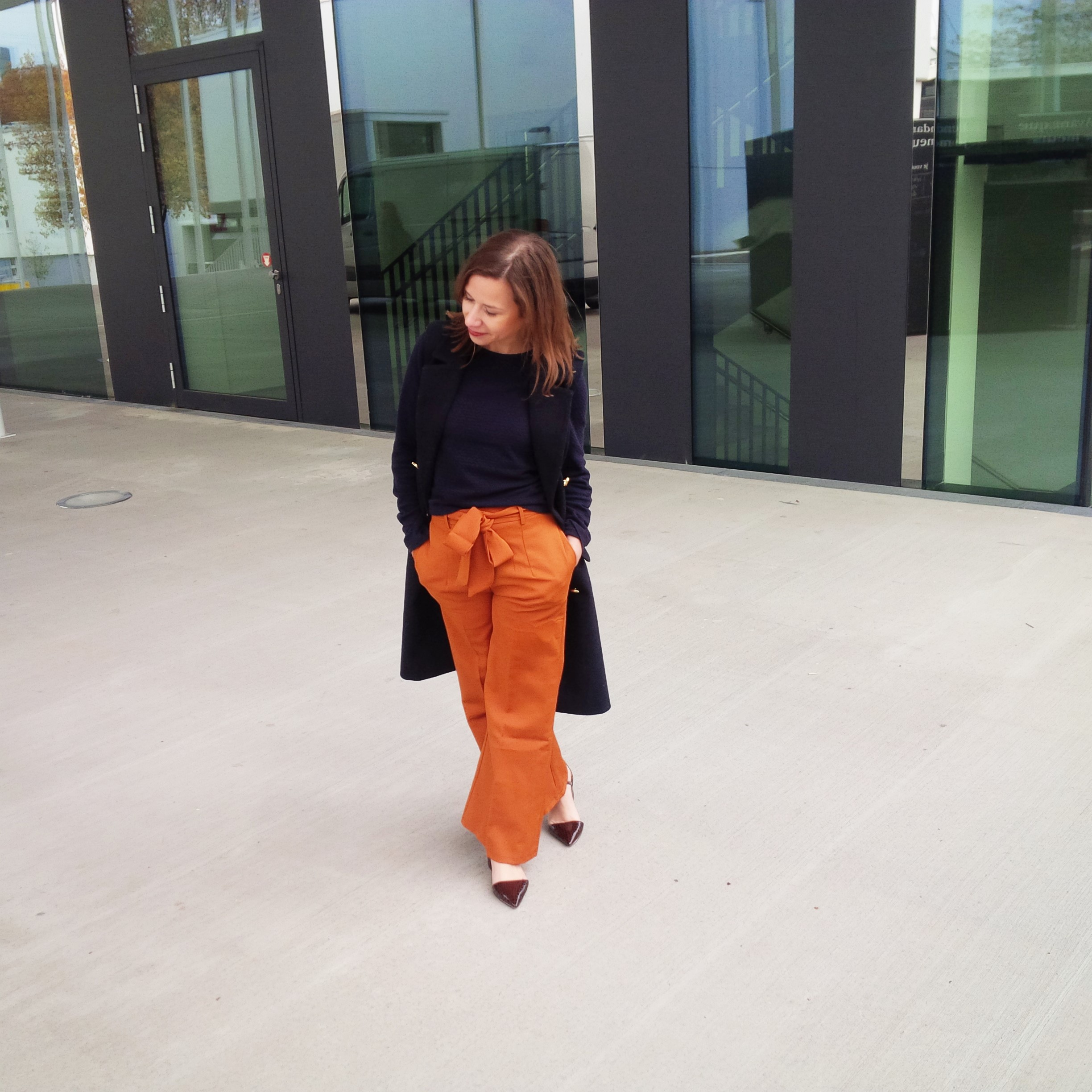 orange-is-the-new-black-wearing-bright-colours-liebe-was-ist-advice-fall-fashion-new-colour-51