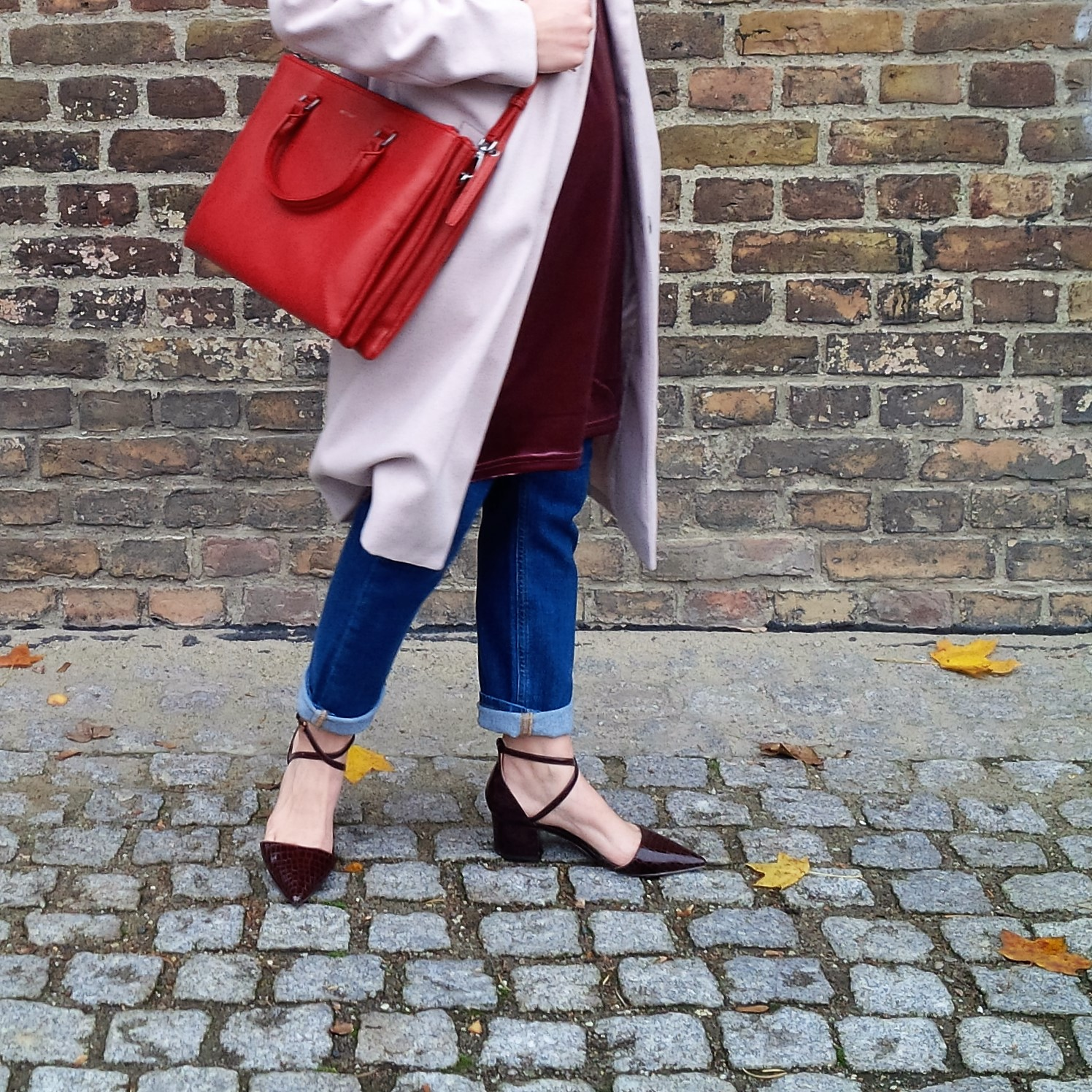 soft-layerings-for-chilly-days-blouse-under-velvet-slipdress-and-my-new-vegan-bag-90ies-fashion-trend-lookbook-style-petite-liebe-was-ist-trendreport-18