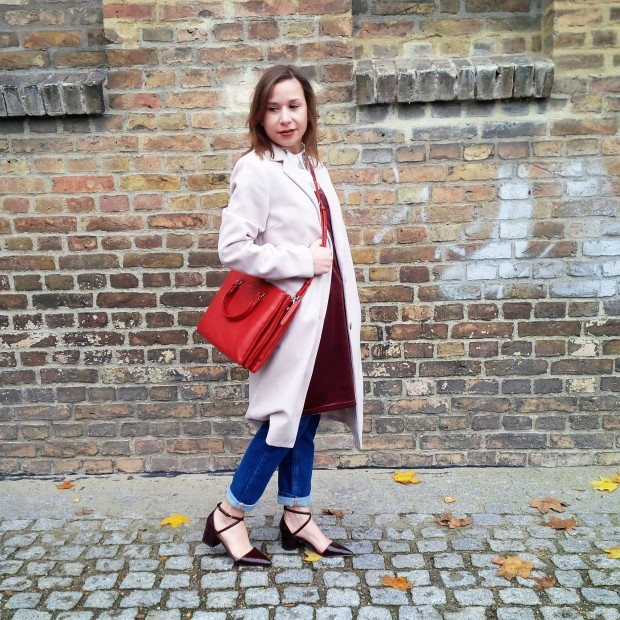 soft-layerings-for-chilly-days-blouse-under-velvet-slipdress-and-my-new-vegan-bag-90ies-fashion-trend-lookbook-style-petite-liebe-was-ist-trendreport-19