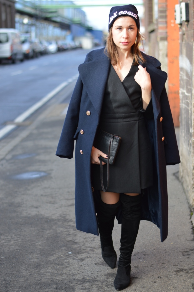 how-to-handle-the-pressure-of-being-a-blogger-liebe-was-ist-fashion-lifestyleblog-dusseldorf-kolumne-advice-erfahrungen-overknees-military-coat-1-5